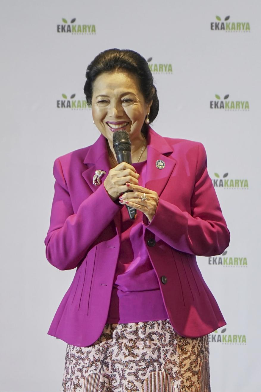 Acara dibuka oleh ketua Perhimpunan Anggrek Indonesia (PAI) Ibu Rita Subowo