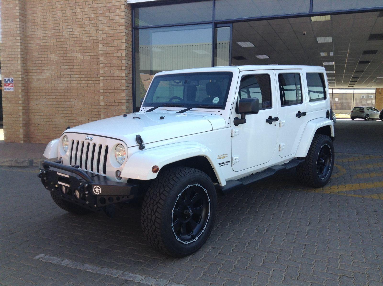 jeep-wrangler_2_8_crd_unltd_sahara_a_t-04137