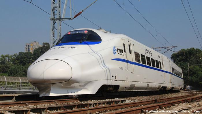 Ilustrasi: Kereta-Api Cepat China- CRH Bullet Train -schnellzug