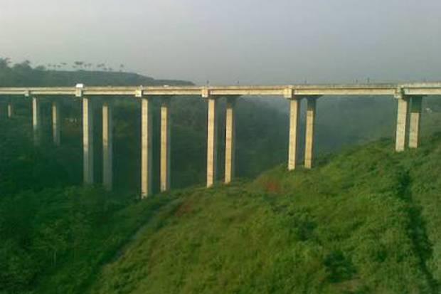 Jembatan Cisomang Tol Purbalenyi