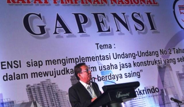 Ketua Umum BPP Gapensi Iskandar Hartawi memberikan pada pembukaan Rapimnas Gabungan Pelaksana Konstuksi Nasional Indonesia (Gapensi) di Hotel Fairmont, Jakarta, Senin, 27 Ferbuari 2017.