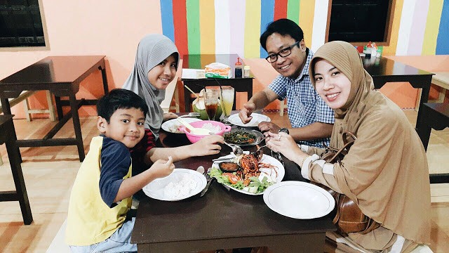 Bandar Bontang cocok sebagai tempat makan malam Keluarga