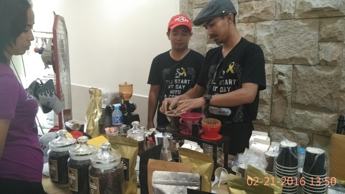 dins-kopi-kharis