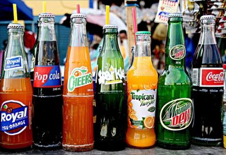 minuman-bersoda-soft-drinks-nikmat-tai-berbahaja-460x315