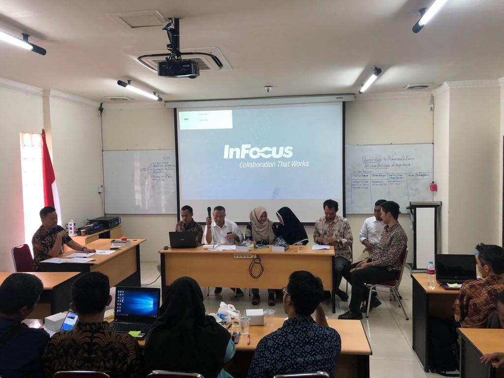 Kegiatan Seminar pada Pelatihan Ahli Muda K3 Konstruksi - PTSKIM