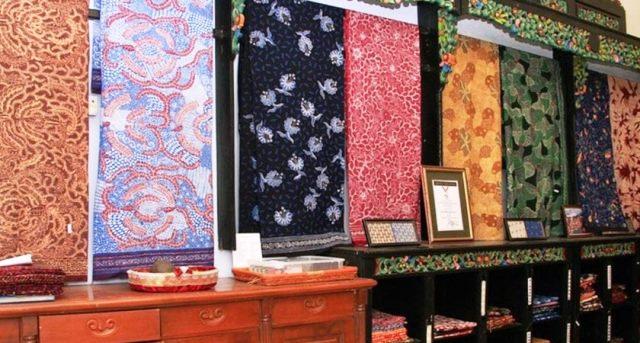 Motif Batik di Rumah Batik Surabaya